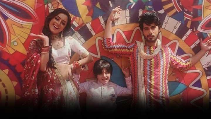 Yeh-Hai-Chahatein-Mishka-Tries-To-Humiliate-Prisha-Ahana-Evil-Plan-For-Saransh