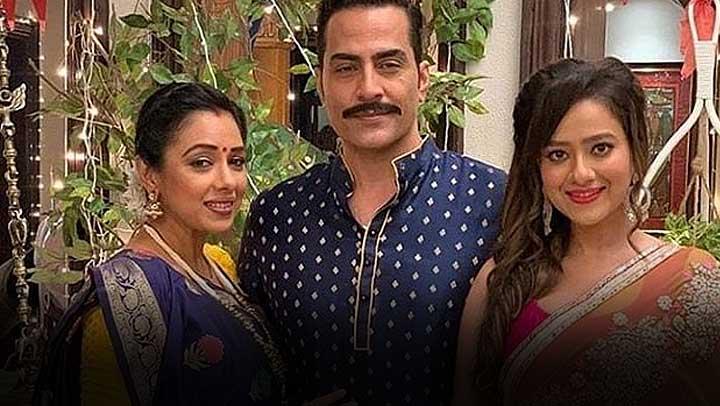 Anupamaa: Kavya gets jealous seeing Vanraj-Anupama together