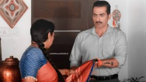 Anupamaa: Anupama asks for Vanraj's support for one last time