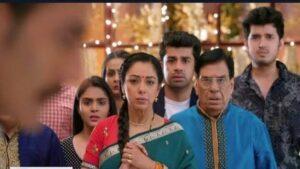 Anupama: Baa-Bapuji moves out with Anupamaa; Vanraj left alone