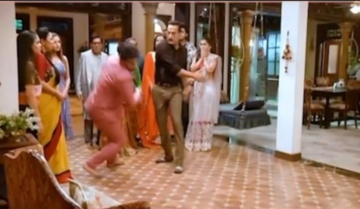 Anupama: Vanraj slaps Paritosh, gets him on floor