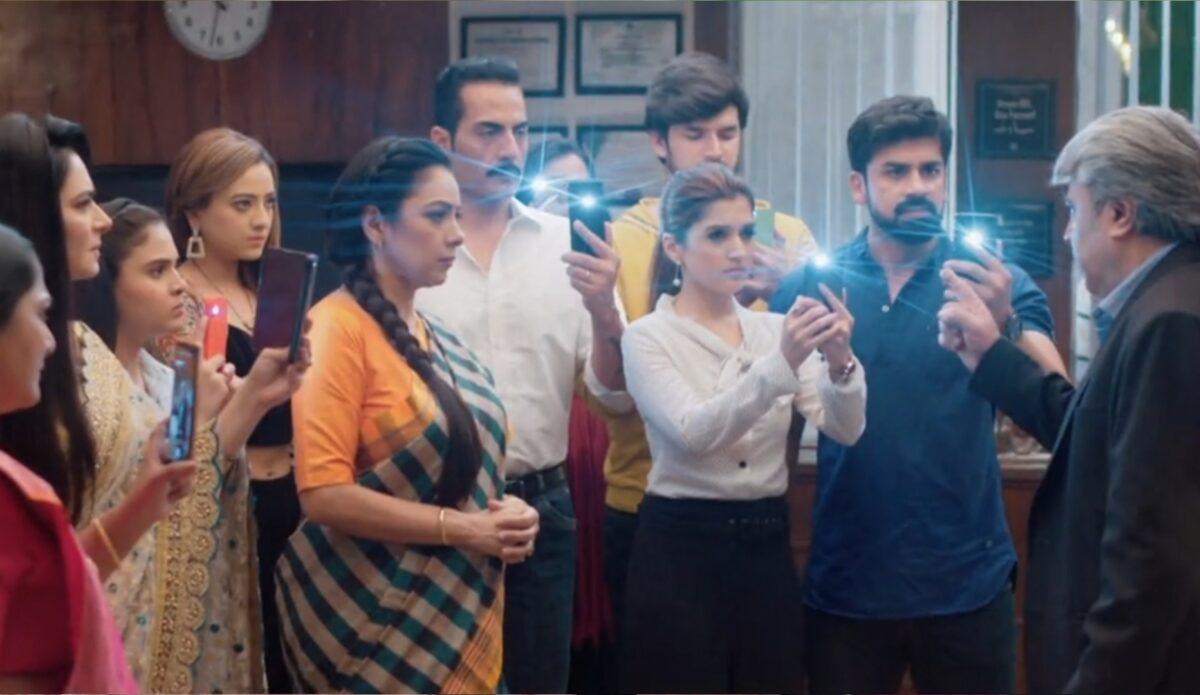 Anupama: Anupama-Rakhi comes together, uses social media to expose Dholakia