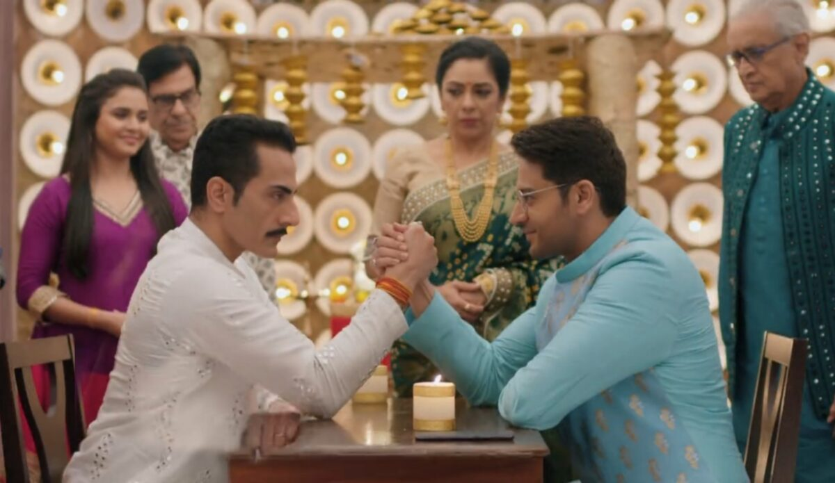 Anupama: Anuj vs Vanraj arm wrestling keeps Anupamaa pissed off