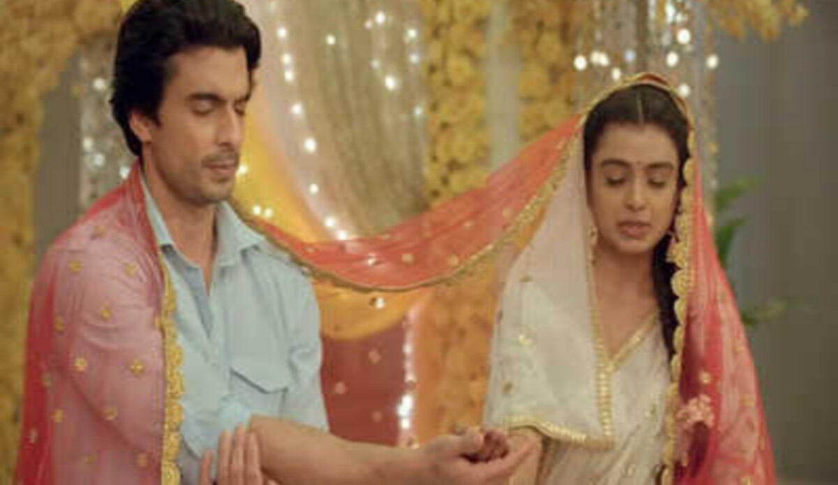 Imlie: Malini collapses during the puja; Imli to expose her